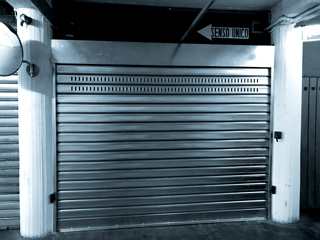 Assistenza riparazione serrande garage e negozi Bologna BASCHI